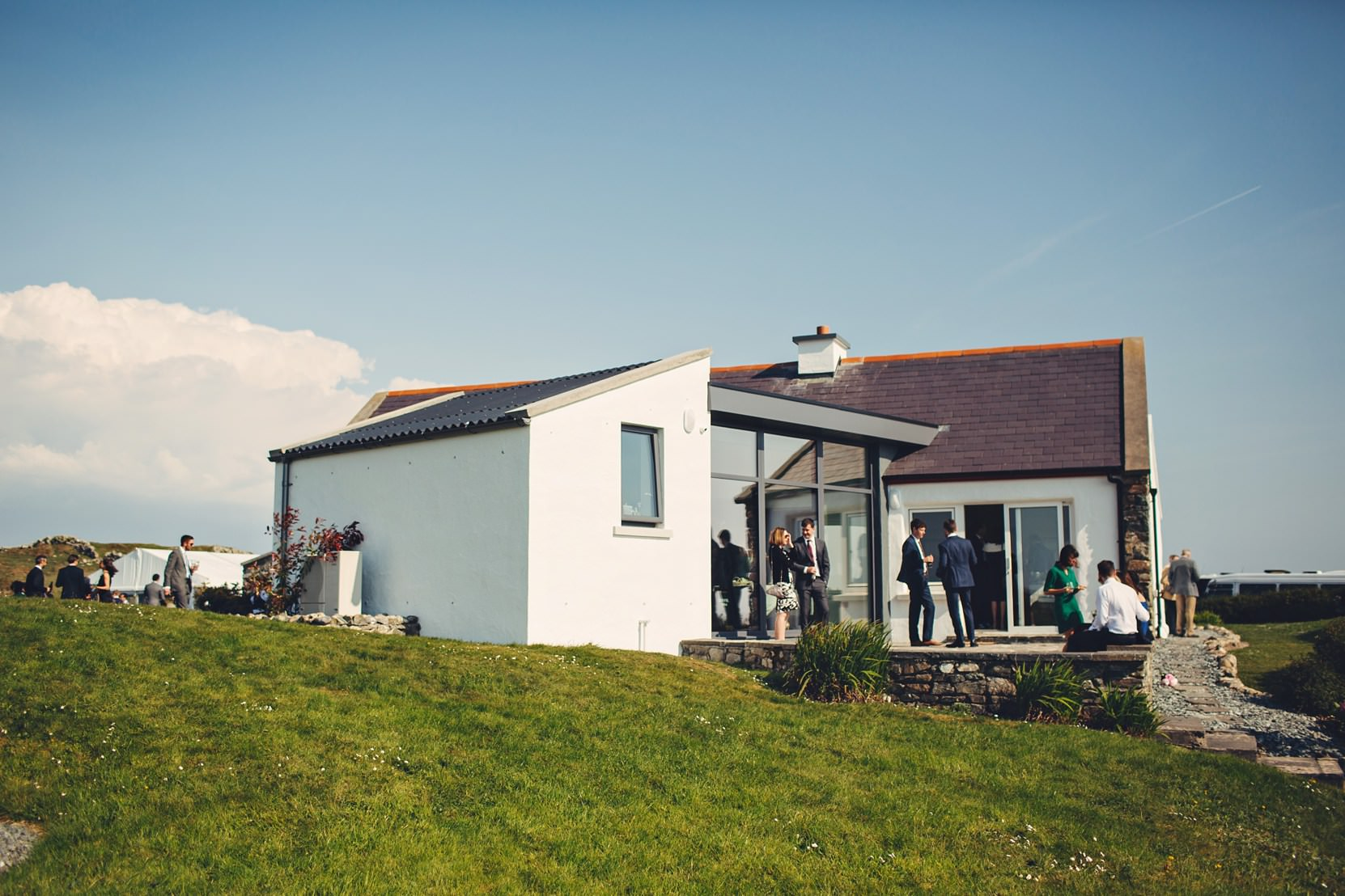 Clifden-Wedding-Outdoors_0151