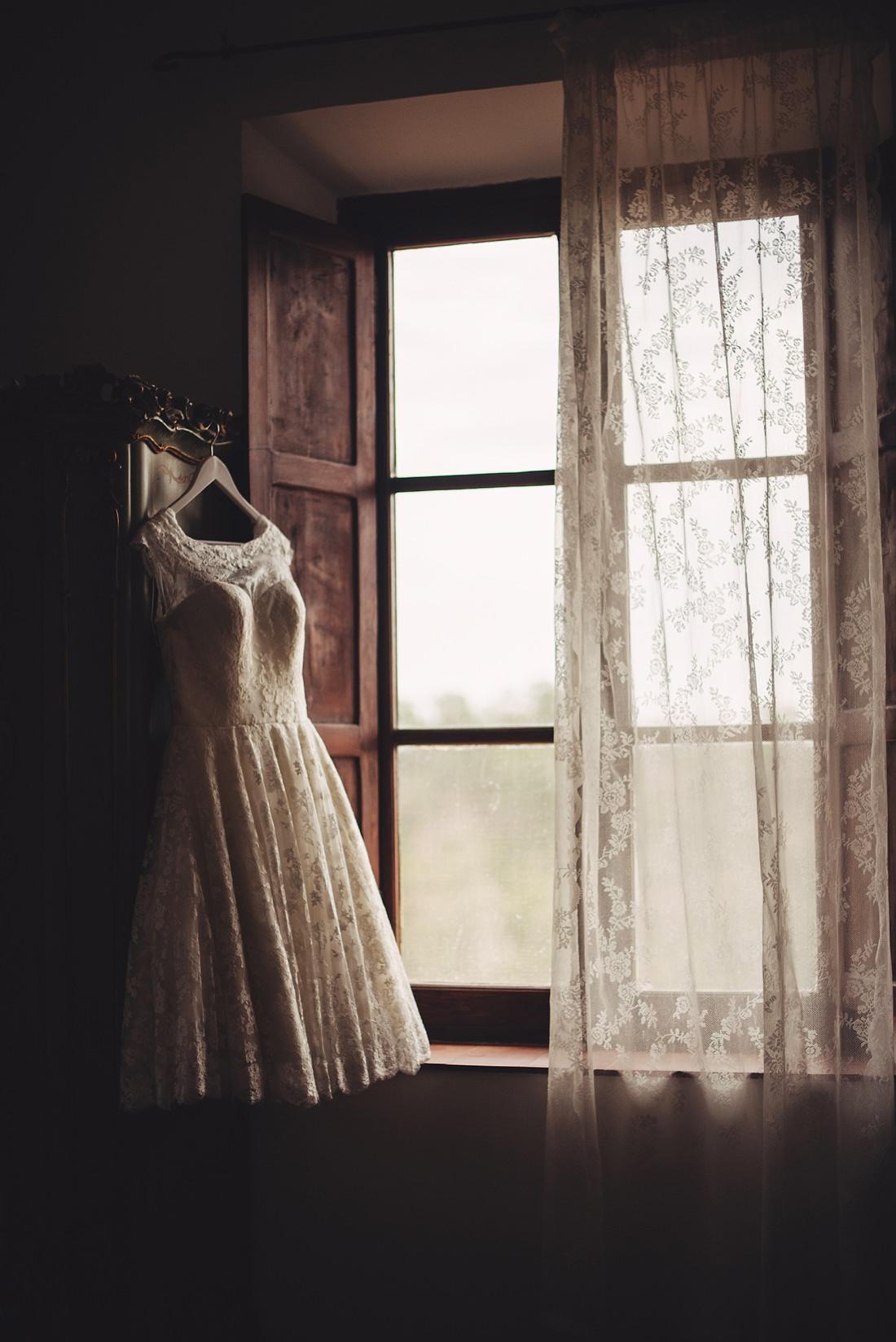 Wedding Dress at Borgo di Tragliata Wedding